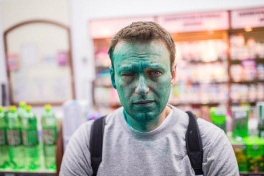 Навальный обратился вполицию после нападения в столицеРФ